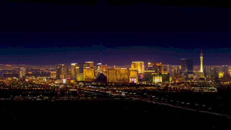 The Strip Closes All Hotels and Casinos